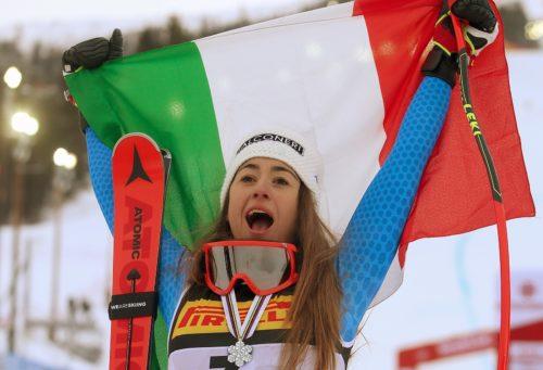 Od złamanej nogi do srebra w mistrzostwach świata – historia Sofii Goggii